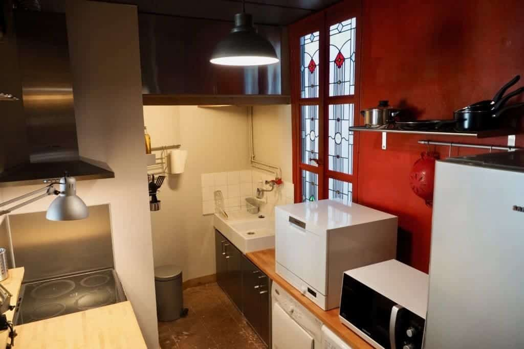 Fully equipped kitchen of our apartment in Toulouse, France