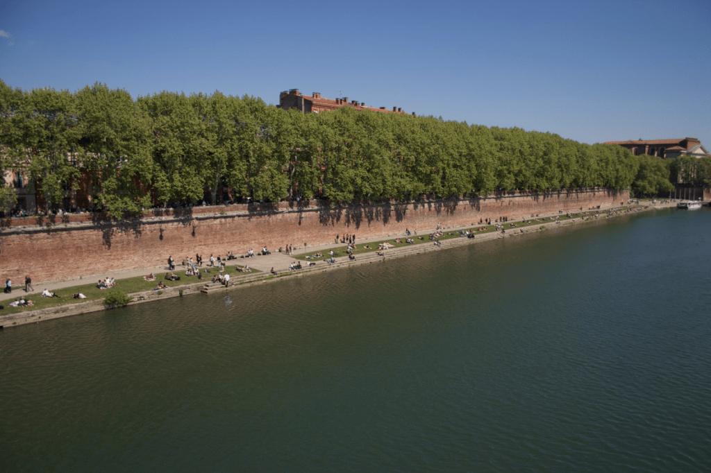 Les quais entre la Daurade et Saint-Pierre